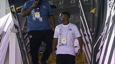 Depois da repercussão negativa, Santos decide suspender o contrato com Robinho - Depois da repercussão negativa, Santos decide suspender o contrato com Robinho