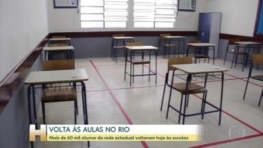 Volta às aulas: algumas capitais retomam aulas presenciais nas redes pública e privada - No Rio de Janeiro, as aulas da rede estadual voltaram depois de sete meses. Em Porto Alegre, as escolas da rede municipal foram autorizadas a voltar.
