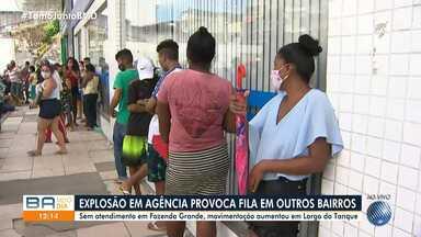 Beneficiários do Bolsa Família enfrentam fila na agência da Caixa do Largo do Tanque - SItuação é reflexo do ataque a um outro banco que fica na Fazenda Grande do Retiro. O crime ocorreu na madrugada desta terça (20).