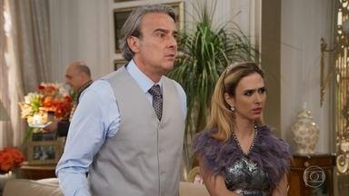 Fedora não acredita na amnésia de Camila - A jovem passa a tratar todos com muita gentileza