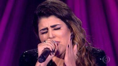 """Nanara Bello canta """"Ciumeira"""" - Confira a apresentação"""