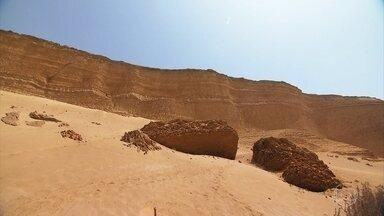 Cânion de Los Perdidos forma cenário grandioso em meio ao deserto no Peru - Há milhões de anos, a água que vinha da Cordilheira dos Andes passava com força no local e foi desenhando um cânion gigantesco em meio ao deserto. Perto dali, outro oásis, a vila de Huacachina, em meio a dunas de areia fina.