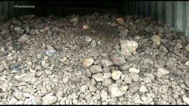 Operação apreende 146 mil toneladas de manganês extraído ilegalmente - No Pará, uma operação da Polícia Federal, do Ibama, da Receita, Agência Nacional de Mineração e da Marinha aprendeu 146 mil toneladas de manganês extraído ilegalmente e que iria para a China.