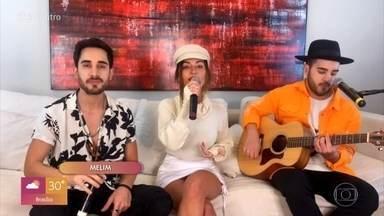 Melim canta 'Amores e Flores' - Trio manda orquídeas de surpresa para Fátima Bernardes