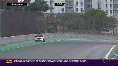 Carro de passeio invade circuito de Interlagos no meio de uma corrida! - Carro de passeio invade circuito de Interlagos no meio de uma corrida!