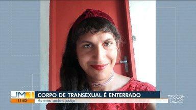 Corpo da transexual Natasha Lima Nascimento é enterrado em São Luiz Gonzaga - Natasha foi encontrada caída no meio de uma estrada depois de sair de uma festa. A polícia investiga se ela foi atropelada ou assassinada.