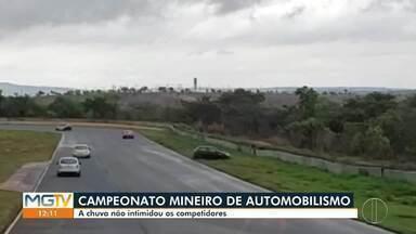 Segunda etapa do Campeonato Mineiro de Automobilismo é realizada em Curvelo - Nem a chuva intimidou os pilotos que participaram dessa segunda etapa do Campeonato Mineiro de Automobilismo, realizado no Autódromo Internacional Circuito dos Cristais.
