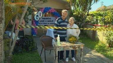 Casal comemora bodas de diamante em Pelotas, no último final de semana - Mesmo com a pandemia, o casal de idosos comemorou 60 anos de casados.