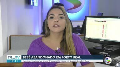 Bebê recém-nascido é encontrado abandonado na rua em Porto Real - Criança estava na Rua Helena Alegrete, no bairro Jardim Real. Menina foi achada por funcionária de um pronto-socorro.