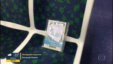 Projeto distribui livros no trem nesta quinta (29) - É o Dia Mundial do Livro.