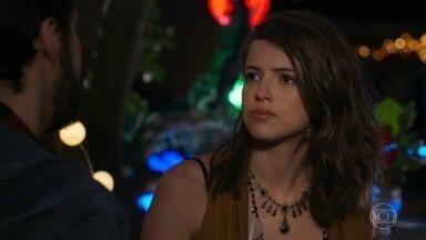 Camila e Giovanni se declaram apaixonados um pelo outro - O rapaz garante estar disposto a se arriscar pela amada mais uma vez