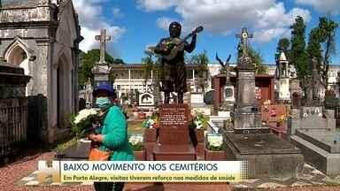 Baixo movimento nos cemitérios em Porto Alegre no dia de Finados - Na capital gaúcha, visitas tiveram reforço nas medidas de saúde.