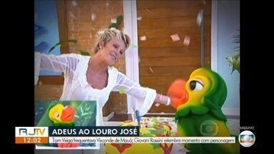 Repórter lembra interação com Louro José na TV Rio Sul - Tom Veiga, intérprete de Louro José, morreu vítima de um AVC. Ator foi encontrado morto em sua casa, neste domingo.