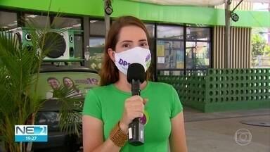 Delegada Patrícia discute propostas na área de defesa dos animais - Candidata do Podemos passou a manhã no comitê de campanha, no bairro do Pina.