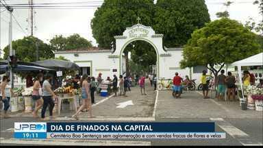Dia de Finados teve movimentação menor nos cemitérios por causa da pandemia - Veja como foi a movimentação nos cemitérios de João Pessoa e Campina Grande.