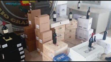 Comércio ilegal de vinho aumenta no Noroeste do RS - Outras mercadorias foram apreendidas e devem ser leiloadas.
