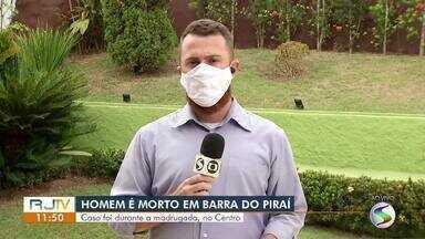 Homem é morto a tiros no Centro de Barra do Piraí - Vítima foi identificada como Leandro José da Silva Rosa Junqueira.