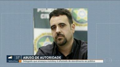 Delegado que ameaçou motoboy com arma é afastado do atendimento ao público - Luiz Augusto Mattos Braga colocou a arma na boca do entregador porque queria estacionar onde estava a moto