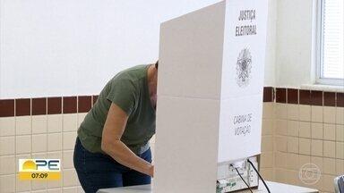 TRE tira dúvidas dos eleitores sobre o dia da votação - No domingo (10), votação é para eleger prefeitos e vereadores.
