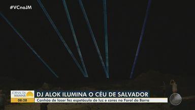 Música: Alok promove show de luzes e cores na orla da Barra, em Salvador - A ação faz parte da contagem regressiva para o especial de fim de ano do DJ.