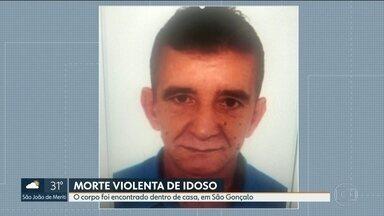 Idoso foi morto a facadas dentro de casa, em São Gonçalo - Francisco Carlos Jacinto da Rocha, de 63 anos, foi assassinado de madrugada. Imóvel estava revirado. Delegacia de Homicídios de Niterói, São Gonçalo e Itaboraí investiga o caso.