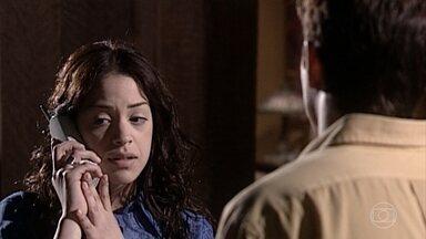 Estela descobre que o advogado não está doente, mas sim viajando - Ela liga para Miguel