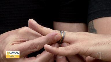 Casamento homoafetivo: Direito dos cônjuges são resguardados como em toda união civil - 127 mil uniões entre casais homoafetivos são registrados no Brasil.