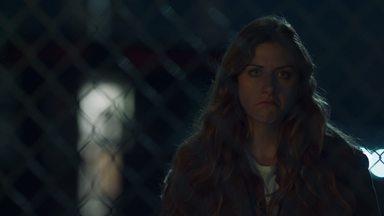Problemas Maternos - O caso mais recente de Murphy a faz ir atrás de uma pista bastante inesperada no caso de Tyson. Enquanto isso, Chloe acha que é hora de seu pai criar um perfil online de namoro.