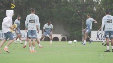 Com Soteldo, Santos treina para confronto contra o Athletico Paranaense - Atacante voltou de período com a Seleção da Venezuela.