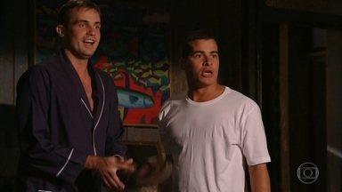 Rodrigo e Ciro descobrem que Amadeu e Isabel estão juntos - Eles ficam de conversar no dia seguinte