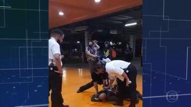 Fiscal do Carrefour diz que não impediu agressões a João Alberto porque está recém-operada - Adriana Alves Dutra coordenava o trabalho dos seguranças que espancaram o cidadão negro até a morte e foi presa após prestar depoimento. A polícia aponta contradições.