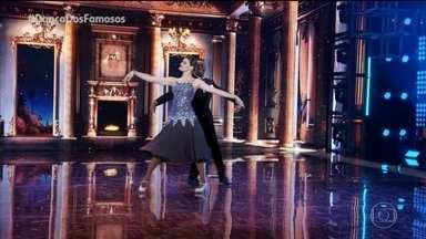 Isabeli Fontana e Igor Maximiliano dança a musica 'Tha Way You Look Tonight' - Confira