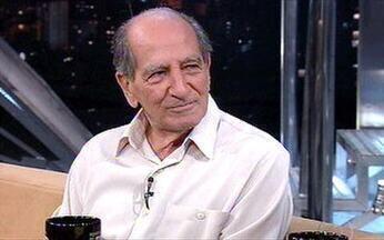 Seu Edgar é dono de bar no Rio de Janeiro - Ele já teve salão de cabeleireiro, pizzaria e oficina mecânica.