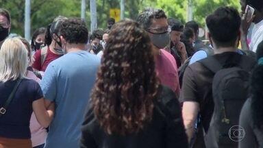 Governo do Distrito Federal reconhece segunda onda de Covid da região - E adotou novas medidas restrititvas. Bares e restaurantes terão que fechar as 11 da noite.