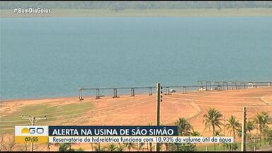 Reservatório funciona com 10,93% do volume útil de água, em São Simão - Nível baixo das hidrelétricas em Goiás preocupa.