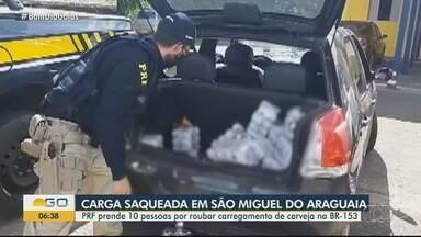 PRF aprreende carga de cerveja saqueada - Dez pessoas foram detidas suspeitas de roubar carregamento na BR-153.