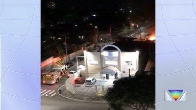 Incêndio atinge depósito de materiais recicláveis em São José dos Campos - Confira as informações.