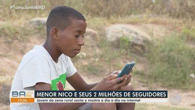 Adolescente baiano faz sucesso na internet; garoto tem mais de 2 milhões de seguidores - Menor Nico, como é conhecido, de 14 anos, é da zona rural de um município da Bahia.
