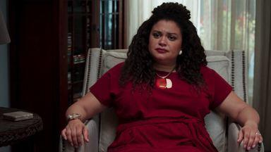 Plano B - Após fazer uma farra com o dinheiro de Derek, Hazel tem os recursos cortados. Ari aceita ser advogada da amiga. Depois de tentar terapia com Gary, Bree percebe que quer o divórcio.
