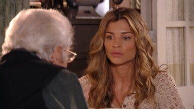 Ester conta para Samuel sobre os quadros de Dionísio confiscados - Ele fica radiante com a notícia