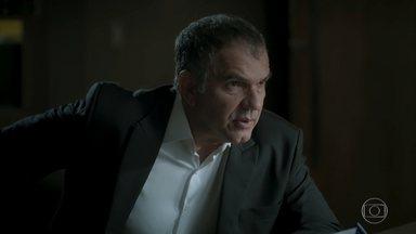Eurico exige que Eugênio convença Joyce a abrir mão de sua parte na empresa - Empresário alerta o irmão para a possibilidade de a cunhada se casar novamente