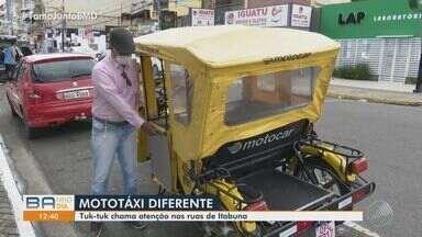 Mototáxi inovador chama atenção de moradores no município de Itabuna - Veículo conhecido como tuk-tuk pode transportar até duas pessoas por vez.