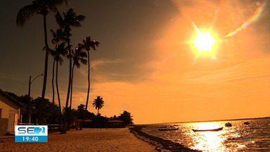 Turistas são atraídos pelo verão sergipano - Turistas são atraídos pelo verão sergipano.
