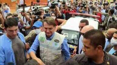 Jair Bolsonaro e a imprudência durante a pandemia do novo coronavírus - O presidente da República saiu às ruas diversas vezes sem máscara. E, na contramão dos alertas mundiais, assumiu o risco, sem rodeios.