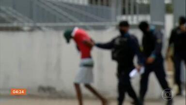Suspeito de estuprar garota de 13 anos é preso, no CE - O homem preso por ameaçar e estuprar uma adolescente de 13 anos, em Fortaleza, confessou o crime.