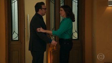 Agilson visita Rebeca e diz que tomou uma decisão - Aparício sai para trabalhar e torce para que seu plano dê certo