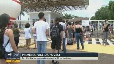 Vestibular da Fuvest: candidatos encaram novas regras em meio à pandemia - Em São Carlos (SP), prova deixou pais e filhos ansiosos.