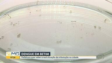 Funcionários da prefeitura de Betim monitoram a dengue na cidade - Prefeitura quer saber a real situação da infestação. O levantamento vai até o fim do mês.