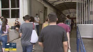 Estudantes participam da 1º fase da Fuvest em Santos - Exame deste domingo (10) teve 90 questões de múltipla escolha.