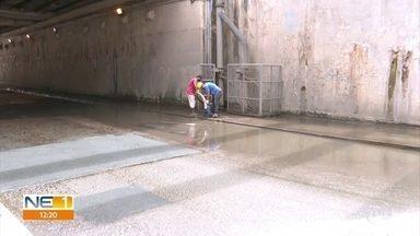 Túnel do Jordão volta a registrar água acumulada - Trânsito não precisou ser interditado enquanto técnicos utilizavam bomba para retirar água.
